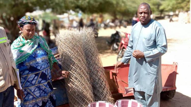 Remise de matériel aux emboucheurs et bouchers bénéficiaires du projet ISJF